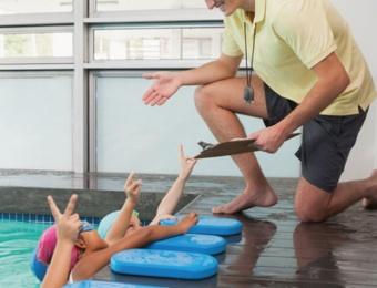Fases de aprendizaje y consejos natación niños